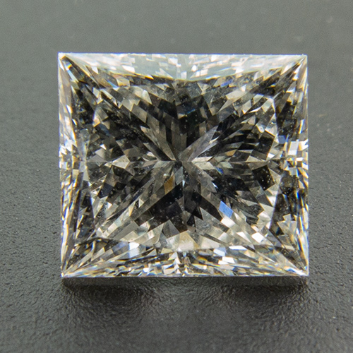 Diamond. 1.01 Carat. Graded E/Vvs1 in the 1990ies by a renowned Austrian gemmologist and appraiser. Unfortunately no certificate was issued.