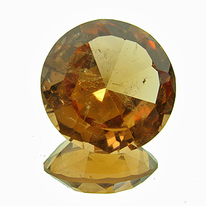 Hessonite Garnet from Canada. 6.52 Carat. from the jeffrey mine, asbestos, quebec