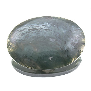 Moss Agate from India. 1 Piece. Cabochon Oval, very distinct inclusions