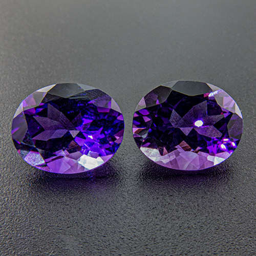 Amethyst from Zambia. 6.93 Carat. Good pair
