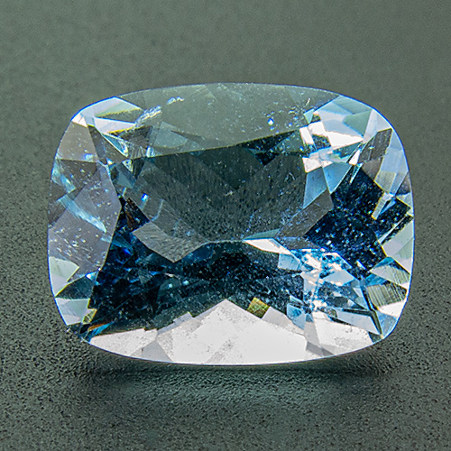 Aquamarine from Nigeria. 1.95 Carat. Cushion, very very small inclusions