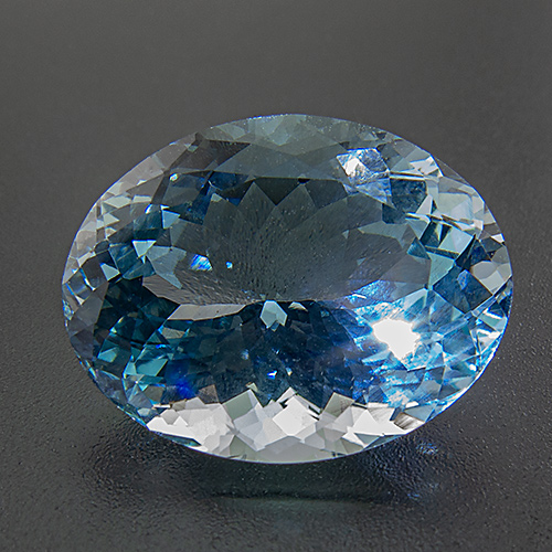 Aquamarine from Africa. 11.07 Carat. Oval, eyeclean