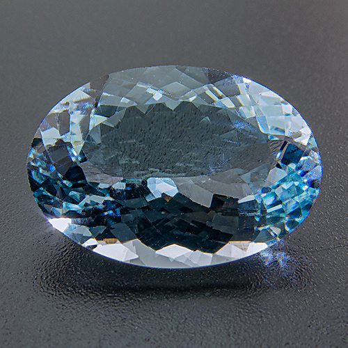 Aquamarine from Africa. 6.22 Carat. Oval, eyeclean
