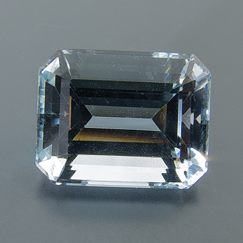 Aquamarine from Brazil. 1 Piece. Emerald Cut, eyeclean