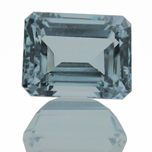 Aquamarine from Brazil. 2.51 Carat. very good commercial quality