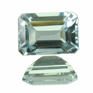 Aquamarine. 1 Piece. Emerald Cut, very very small inclusions