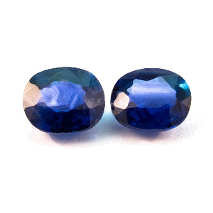 Sapphire from Thailand. 0.75 Carat. not a 100% exact pair, 4.4x3.7 & 4.3x3.6mm