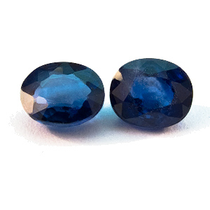 Sapphire from Thailand. 0.8 Carat. not a 100% exact pair, 4.5x3.8 & 4.4x3.7mm
