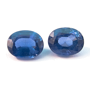 Sapphire from Thailand. 0.81 Carat. Oval, small inclusions