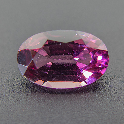 Rhodolite Garnet from India. 1.32 Carat. Oval, very very small inclusions
