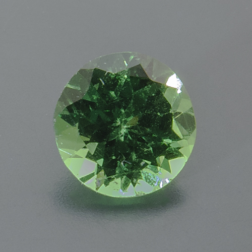 Tsavorite Garnet from Tanzania. 1 Piece. Round, small inclusions