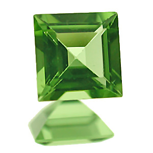 Peridot. 1 Piece. Square, very very small inclusions