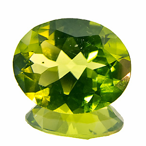 Peridot. 3.2 Carat. Oval, very small inclusions