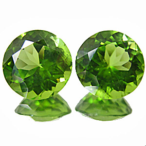 Peridot from Pakistan. 1 Pair. perfect 