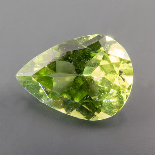 Peridot. 1 Piece. Pear, very small inclusions