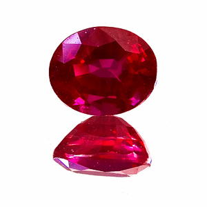Ruby from Myanmar. 1.01 Carat. Oval, small inclusions