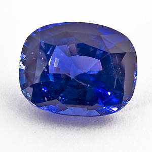 Sapphire from Sri Lanka. 4.2 Carat. displays colour change from blue in daylight to purplish blue in incandescent light. comes with a GIC (gemmological institue of colombo) certificate