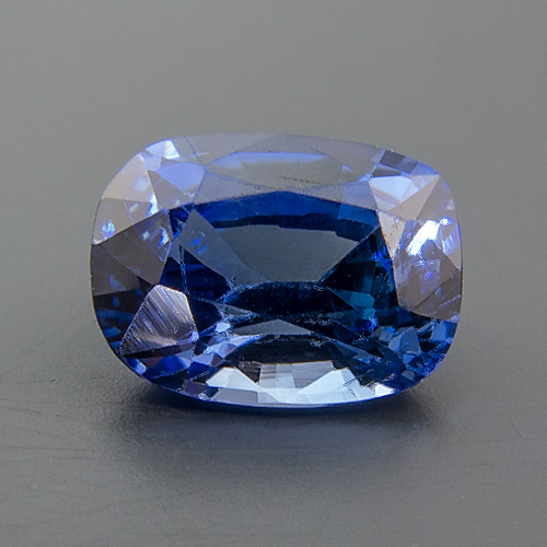 Sapphire from Sri Lanka. 1.07 Carat. untreated, comes with a GIC (Gemmological Institue of Colombo) certificate