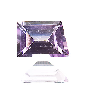 Purple Sapphire. 0.36 Carat. Fancy Cut, very very small inclusions