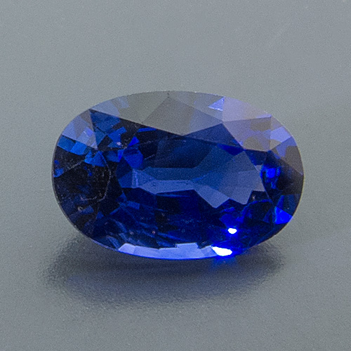 Sapphire. 1 Piece. Oval, very small inclusions