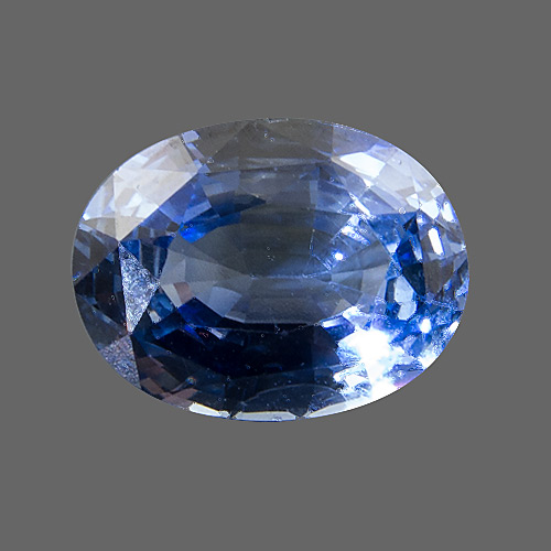 Sapphire from Sri Lanka. 2.7 Carat. Oval, very small inclusions