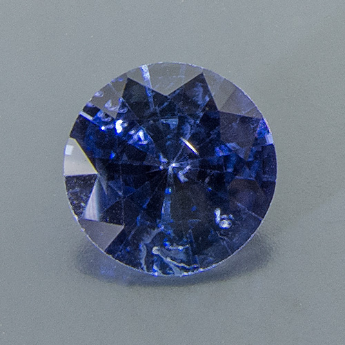 Sapphire. 1 Piece. Round, small inclusions