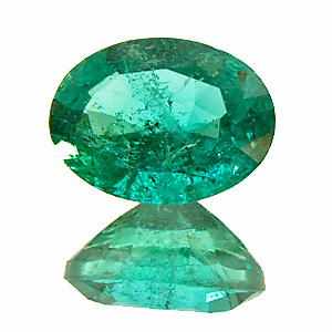 Emerald from Zambia. 1 Piece. Oval, very distinct inclusions