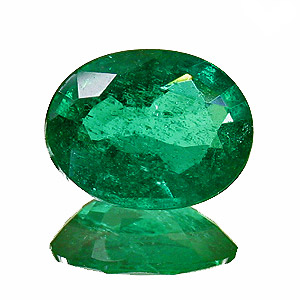 Emerald from Zambia. 1.5 Carat. Oval, small inclusions