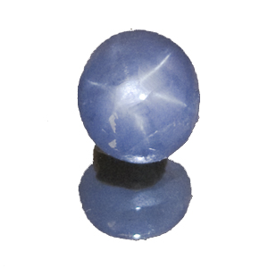 Star Sapphire from Sri Lanka. 4.77 Carat. Cabochon Oval, semi-translucent