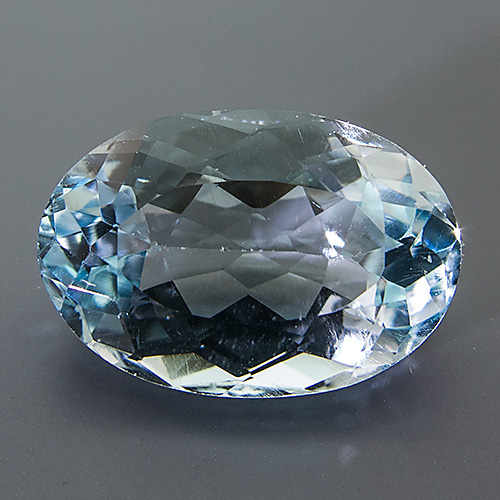 Natural Blue Topaz from Brazil. 13.49 Carat. Oval, eyeclean
