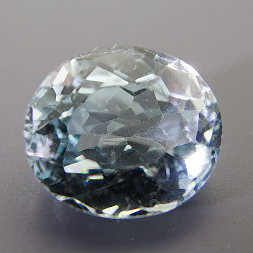 Natural Blue Topaz from Brazil. 5.34 Carat. Oval, very very small inclusions