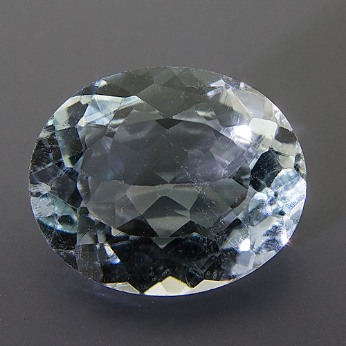 Natural Blue Topaz from Brazil. 8.8 Carat. Oval, very very small inclusions