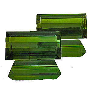 Tourmaline (Verdelite) from Congo. 3.82 Carat. Baguette, small inclusions